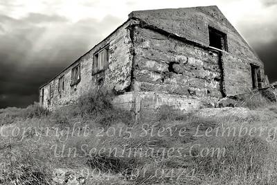 Old Farmhouse - B&W Copyright 2017 Steve Leimberg - UnSeenImages Com _Z2A1027