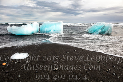 Bergs on the Beach - Copyright 2017 Steve Leimberg - UnSeenImages Com _Z2A1399