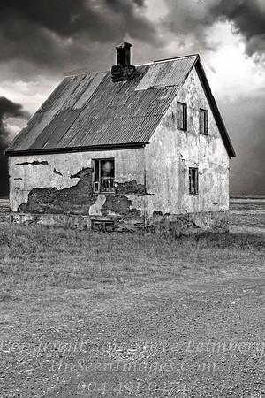 Farmhouse - B&W Copyright 2017 Steve Leimberg - UnSeenImages Com _Z2A1078