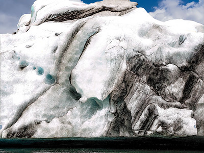 Berg  Iceland Copyright 2021 Steve Leimberg UnSeenImages Com _DSF0736