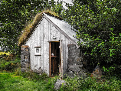 Hut in Iceland Copyright 2021 Steve Leimberg UnSeenImages Com _DSF1126