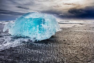 Glowing Iceberg - Copyright 2017 Steve Leimberg - UnSeenImages Com _Z2A1455