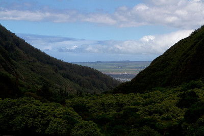 Down the Iao Valley towards Kahului.