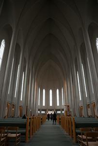 inside hellgrimskirkja