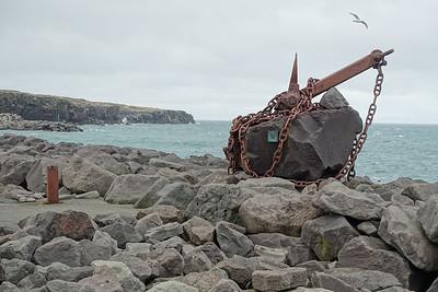 Reykjanesbær statue