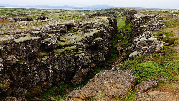 Continental divide in Iceland is divided by the Mid-Atlantic Rift;