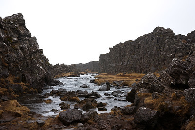 where this river runs two tectonic plates touch each other