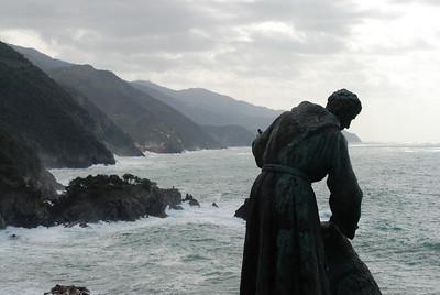 Statue overlooking Monterosso