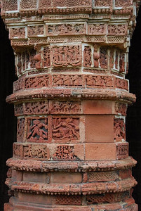 Carvings on pillars