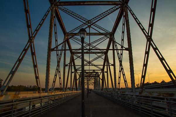 2016_11_26 San Jacinto River Bridge at 69N_-105