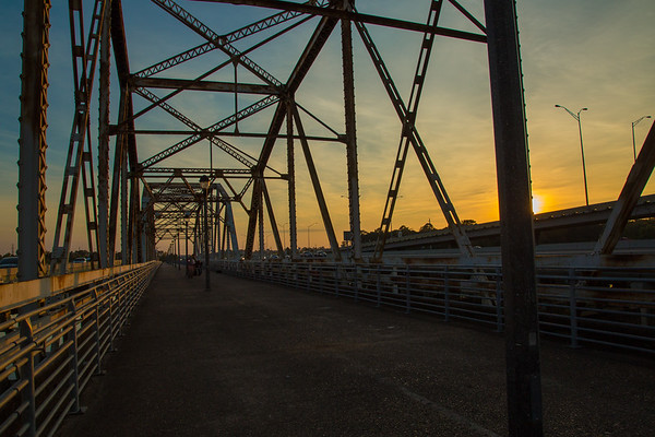 2016_11_26 San Jacinto River Bridge at 69N_-97