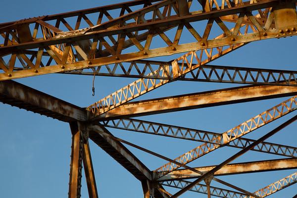 2016_11_26 San Jacinto River Bridge at 69N_-61