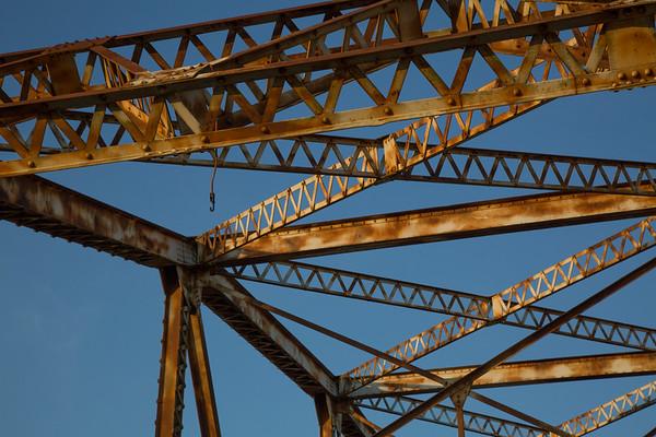 2016_11_26 San Jacinto River Bridge at 69N_-60