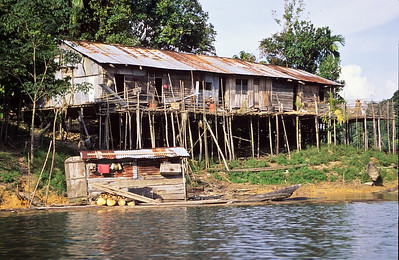 As we traveled along the lake shore we say several community structures called long houses.