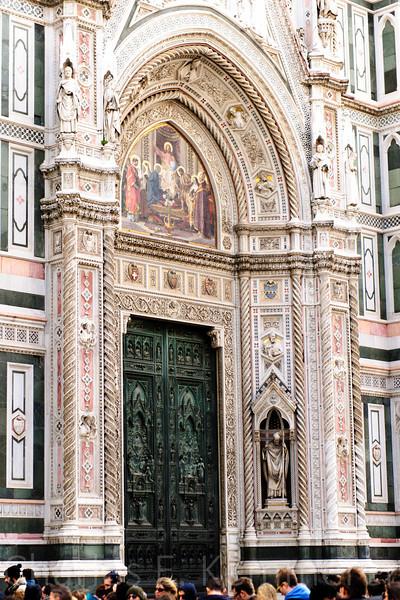 """Duomo de Florence<br /> <br />  <a href=""""http://en.wikipedia.org/wiki/Florence_Cathedral"""">http://en.wikipedia.org/wiki/Florence_Cathedral</a>"""