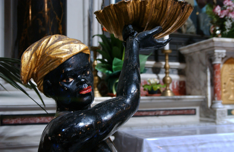 Lucca - Inside Chiesa San Salvatore Black Statue
