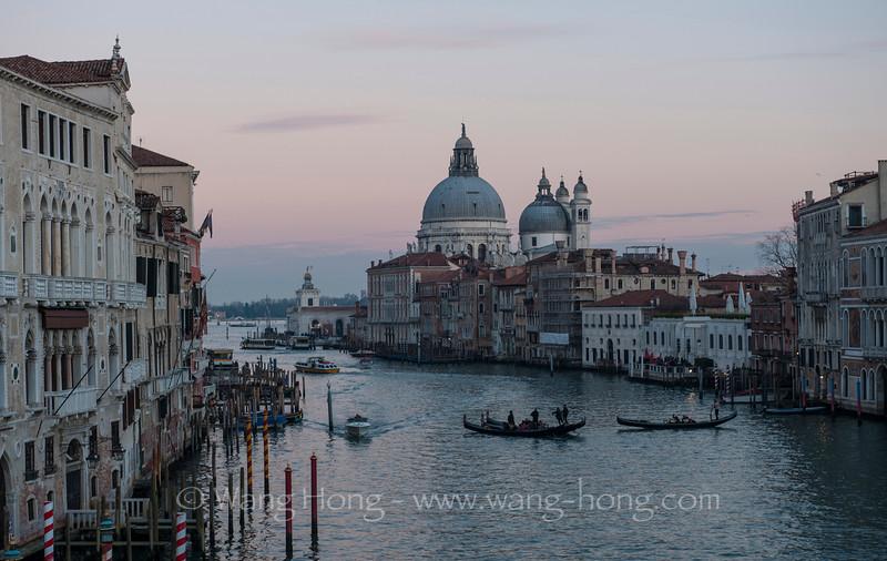Grand Canal and Dome of Santa Maria de la Salute at down, Venice (Jan. 2015)