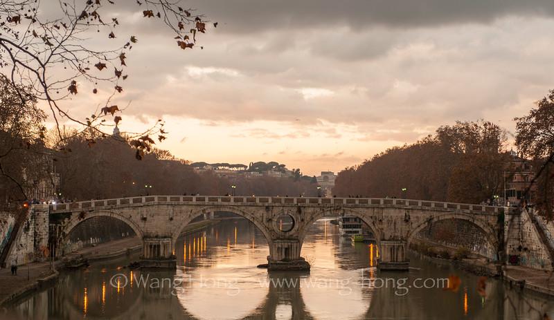 Ponte Umberto on River Tiber, Rome (Dec. 2014)
