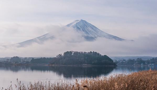 Fujisan from Oishi Park, Kawaguchiko, December 2015.