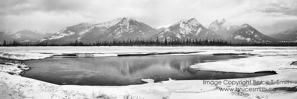Athabasca River Valley panorama, Jasper National Park