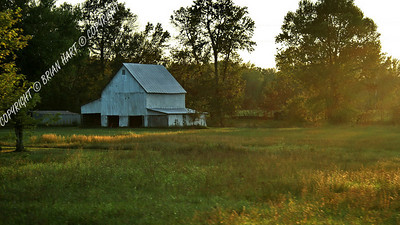 IMG_8841 Old Barn in the Setting Sun