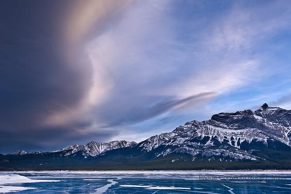Amazing cloud ridge just before sunset over Abraham Lake
