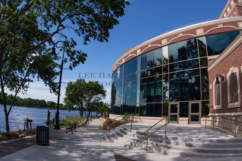 La Crosse Community Theatre