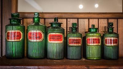 6 green bottles