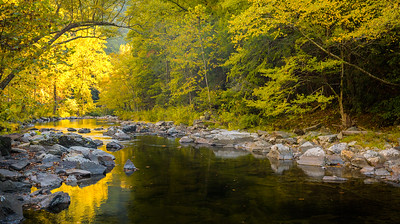 Autumn color on the Little River