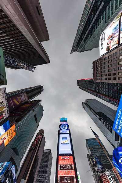 Another unique view using an Ultra Wide Angle lens really captures all of the energy from Time Square, NYC.   Photos by:  @RickBeldenPhotography   .................