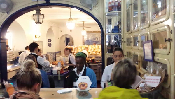 Video: Counter Service at Pasteis de Belem