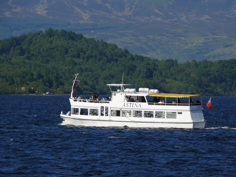 "Sweeney's Cruises' <a href=""http://www.sweeney.uk.com/boats.html"">ASTINA</a> on Loch Lomond.  26th May 2008"