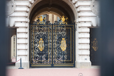Front gate of the resident of Buckingham Palace.
