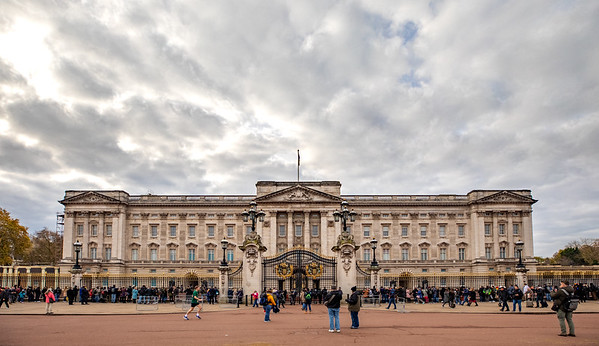 Buckingham Palace is a large square, where the back side is deeper than the front, so this front view makes it look deceptively small.