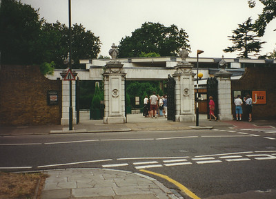 Entrance to Kew Gardens