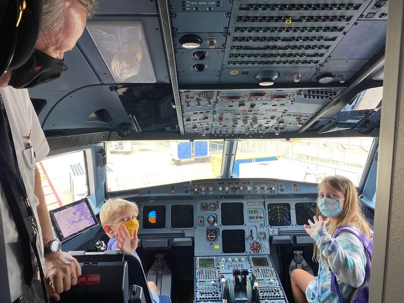Two new Delta pilots