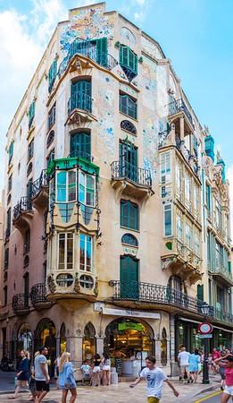 An old building in Palma de Mallorca