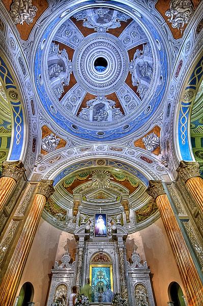 """Altar of the """"Basilica de la Chiquinquirá"""" - Maracaibo, Venezuela<br /> <br /> HDR"""