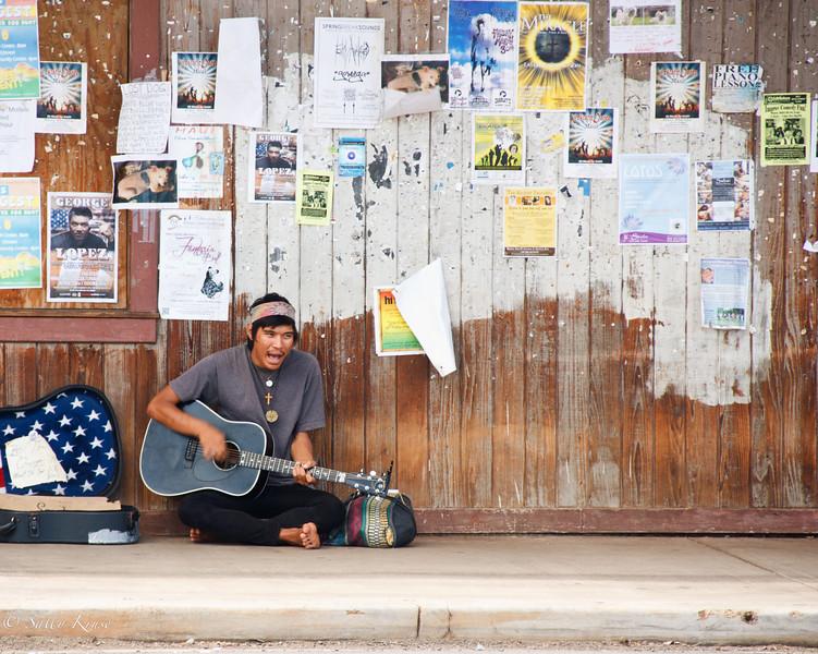 Maui Street Performer
