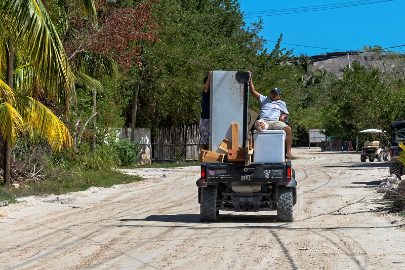 Holbox Movers