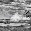 Fall in Michigan    Grand Haven, lake michigan lighthouse , lighthouse waves wind, waves wind, wind_