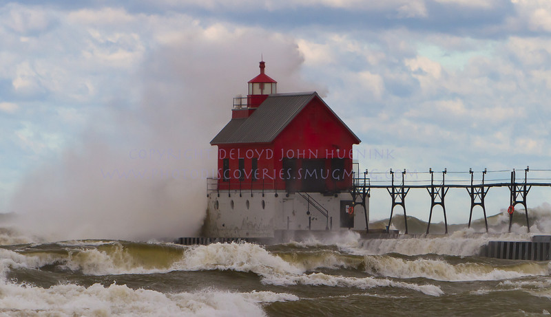 Fall in Michigan    Grand Haven, HDR, lake michigan, lighthouse, waves, wind_