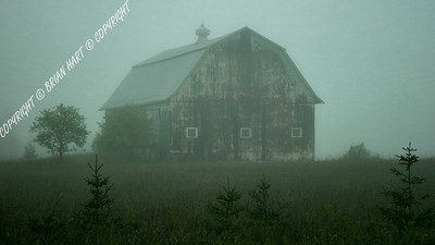 IMG_8025 Old Barn in the Fog, near Munising, MI