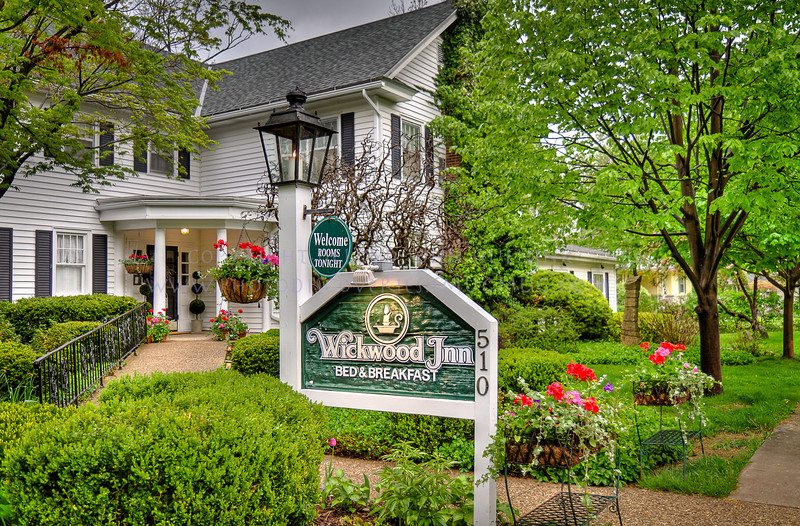 Wickwood Inn Bed and Breakfast