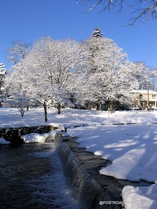 postroadphotos-places-usa-milford-connecticut-winter-scene-2004-011