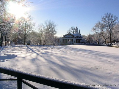 postroadphotos-places-usa-milford-connecticut-winter-scene-2004-001