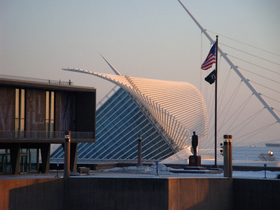 Milwaukee Art Museum in winter.