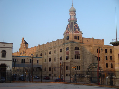 Former main building of Schlitz Brewery.