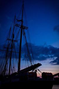 2010-10-12Morning Mast