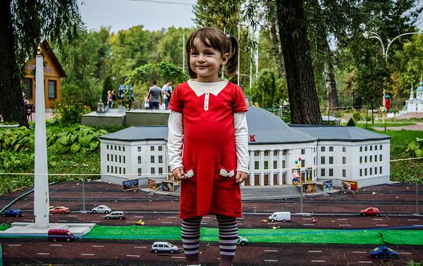 Маша в мини-Киеве